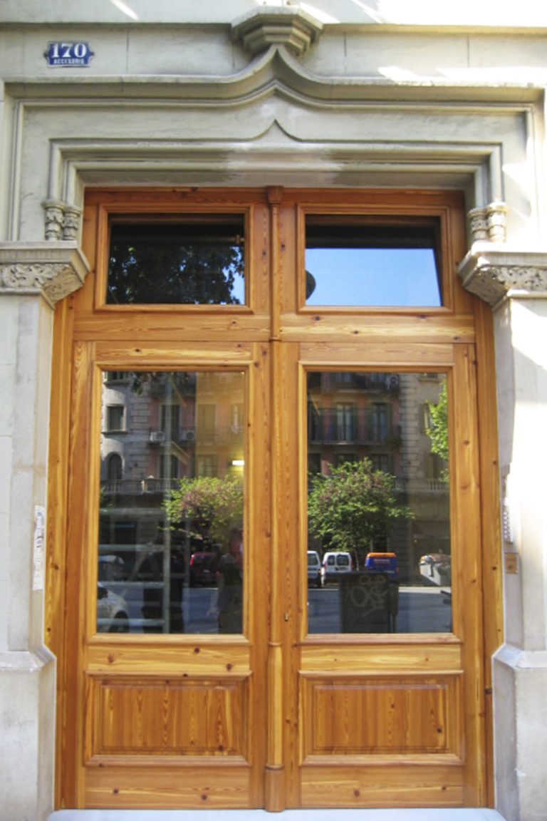 Porta exterior 1